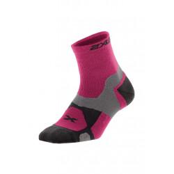 2XU Winter Long Range VECTR Sock - Chaussettes running pour Femme - Rose